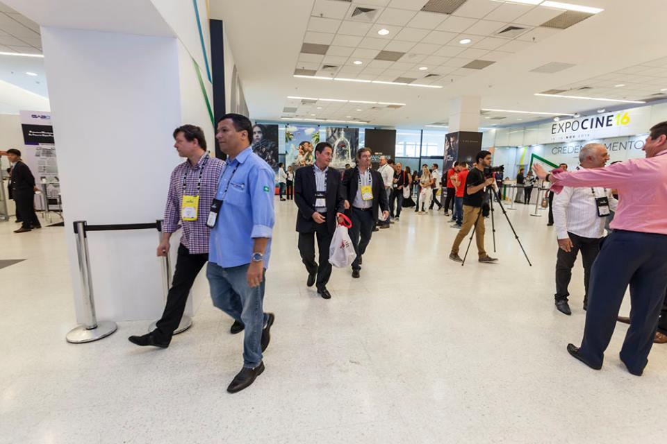 Pelo saguão de recepção da Expocine 2016 passaram exibidores, distribuidores, produtores, gestores e fornecedores de tecnologias e serviços do mercado de cinema do Brasil.