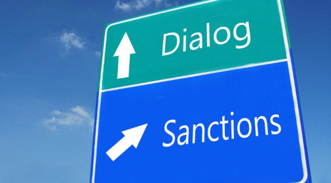 """Sanções econômicas: punição ou """"humanitarização das intervenções""""?"""