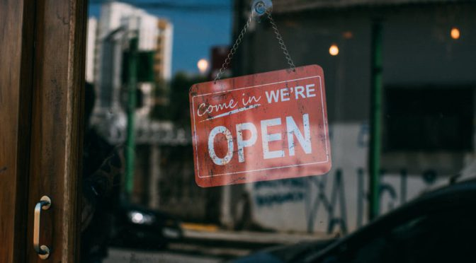 Trabalhos abertos: de códigos de software às pesquisas na bancada
