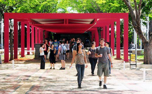Universidade pública, equidade e gratuidade: velhas questões em novos cenários