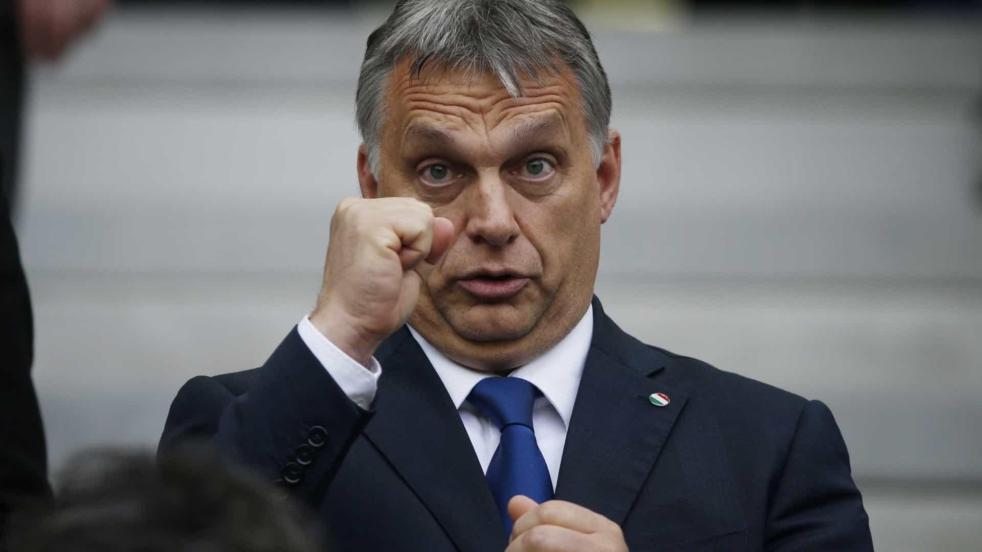 Democracia iliberal: de Hungria e Rússia a Europa e América
