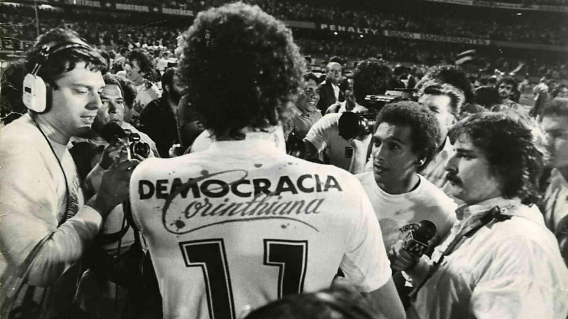"""José Paulo Florenzano: """"Chegou a hora de reconhecer que a riqueza do futebol brasileiro, a sua inventividade, também se dá no campo político""""."""